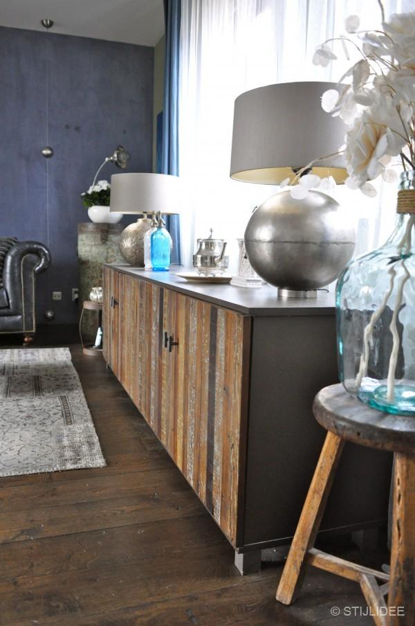 Binnenkijken in een modern klassieke vintage woonkamer for Vintage woonkamer