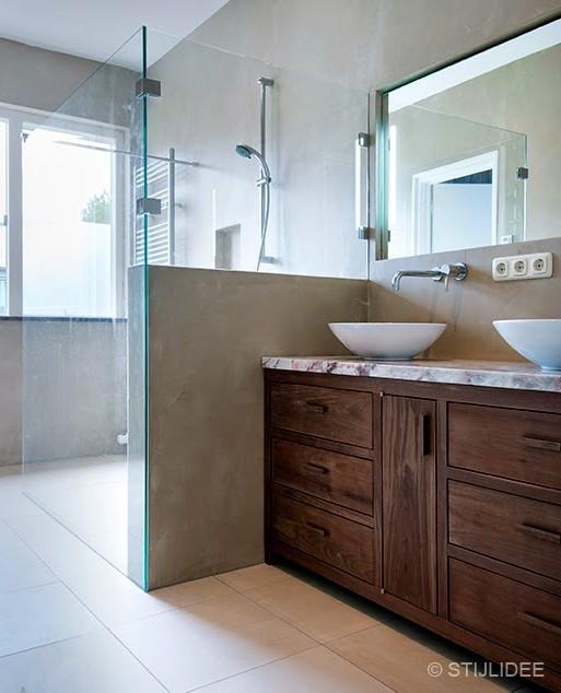 binnenkijken in een badkamer in utrecht