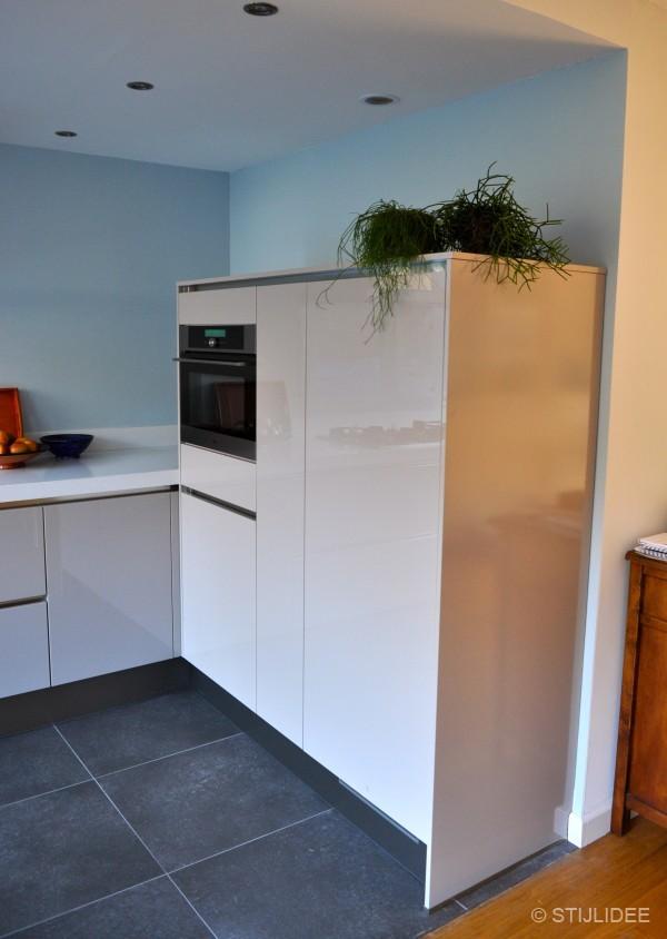 Binnenkijken in een modern en kleurrijk huis in nijmegen - Welke kleur in een keuken ...