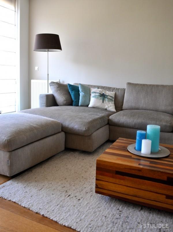 Binnenkijken in een woonkamer in modern landelijke stijl for Interieur woonkamer modern