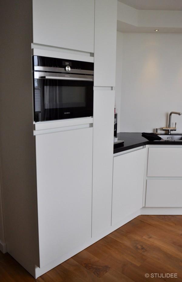 Witte keuken buffetkast buffetkast zwart wit bastiaan cm bolle kleppen meubel outlet de - Witte keukens houten ...