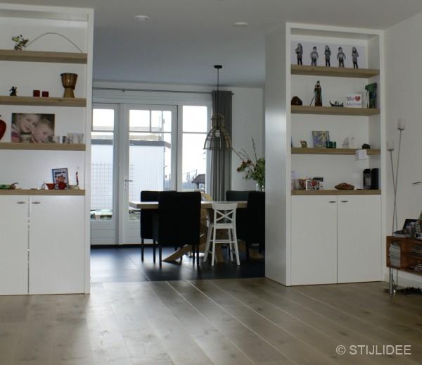Binnenkijken in de keuken met moderne kamer en suite van een nieuwbouwwoning in schoonhoven - Moderne eetkamer en woonkamer ...